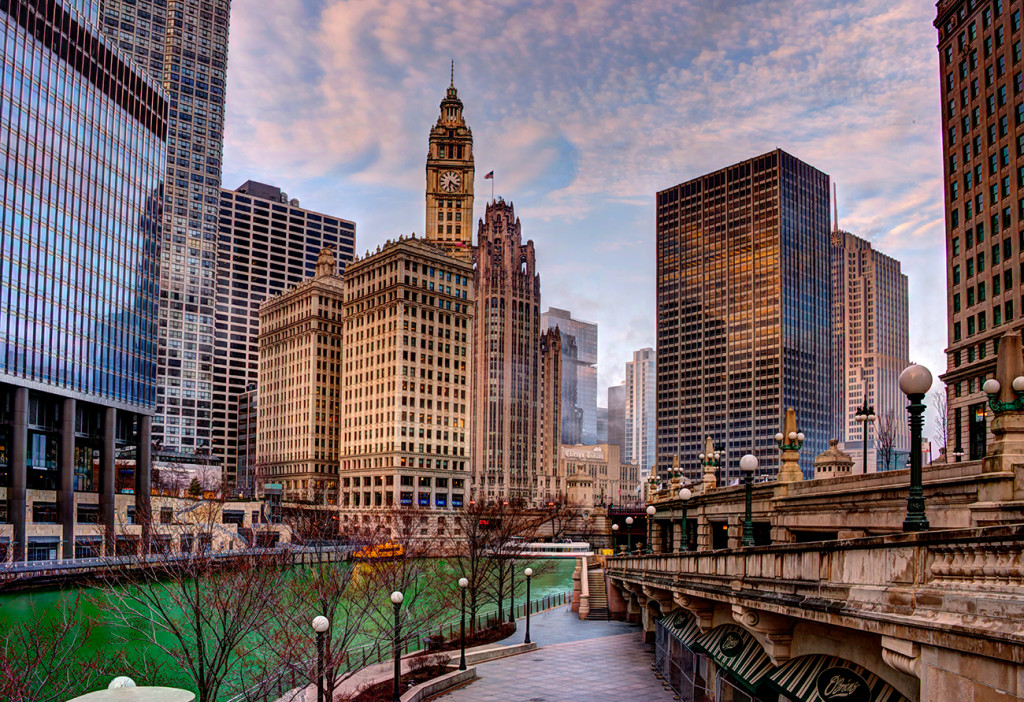 Chicago skyline from Riverwalk