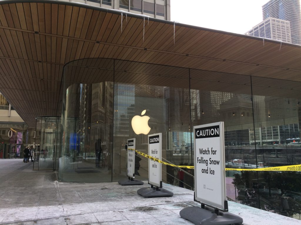 Falling ice at Chicago Apple Store