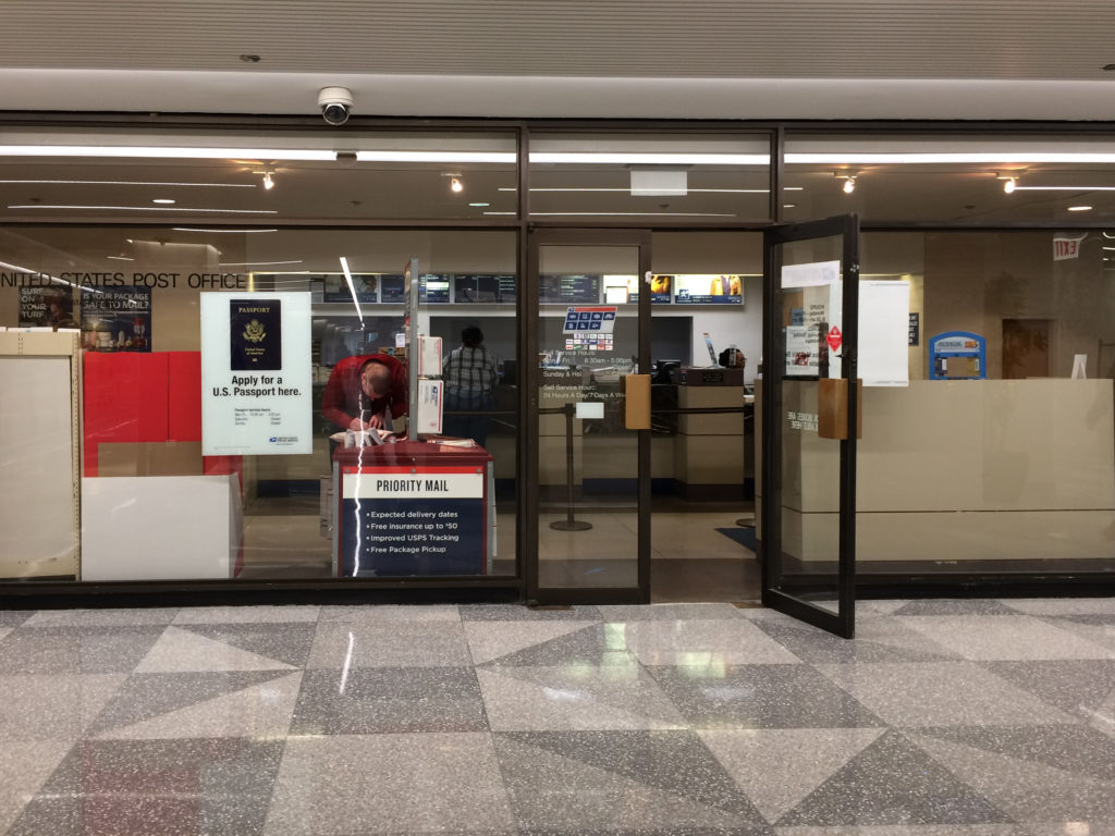 Aon Center Post Office