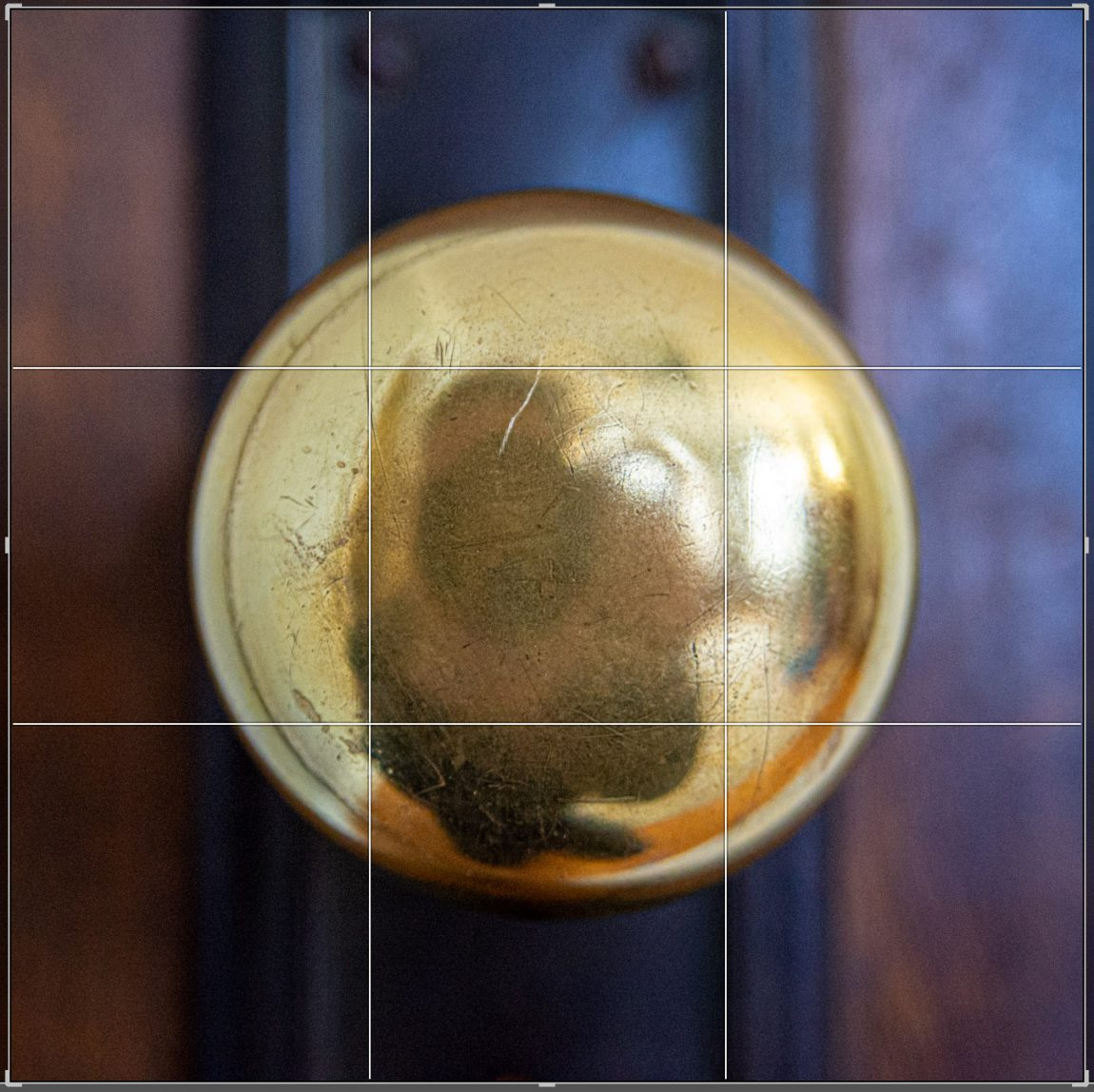 centering a doorknob in your photo composition