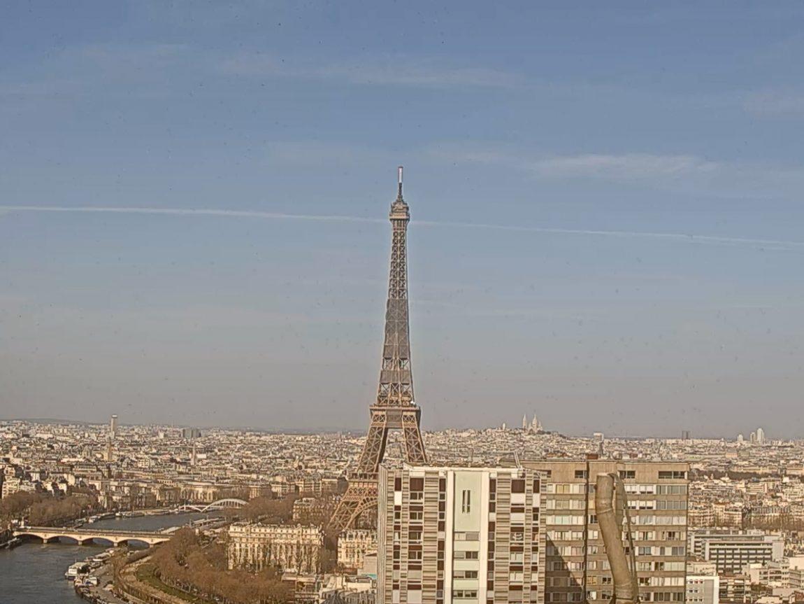 Screenshot of Eiffel Tower webcam